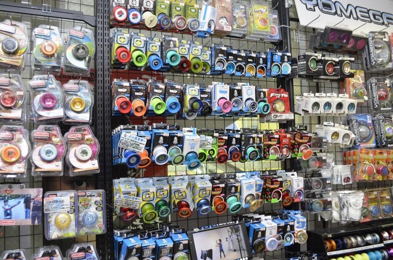 SpinGear Akihabara yo-yo shelf